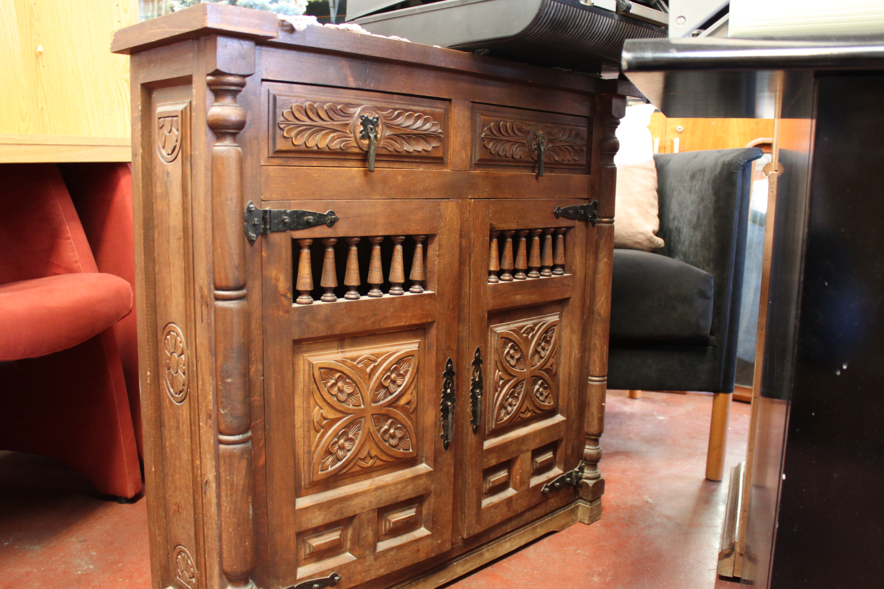 Rastro esgaravita recogida de muebles enseres y ropa for Muebles iglesia