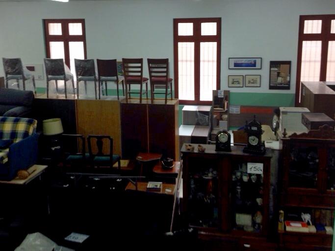Jose calvo sillas recogida de muebles enseres y ropa for Muebles betel