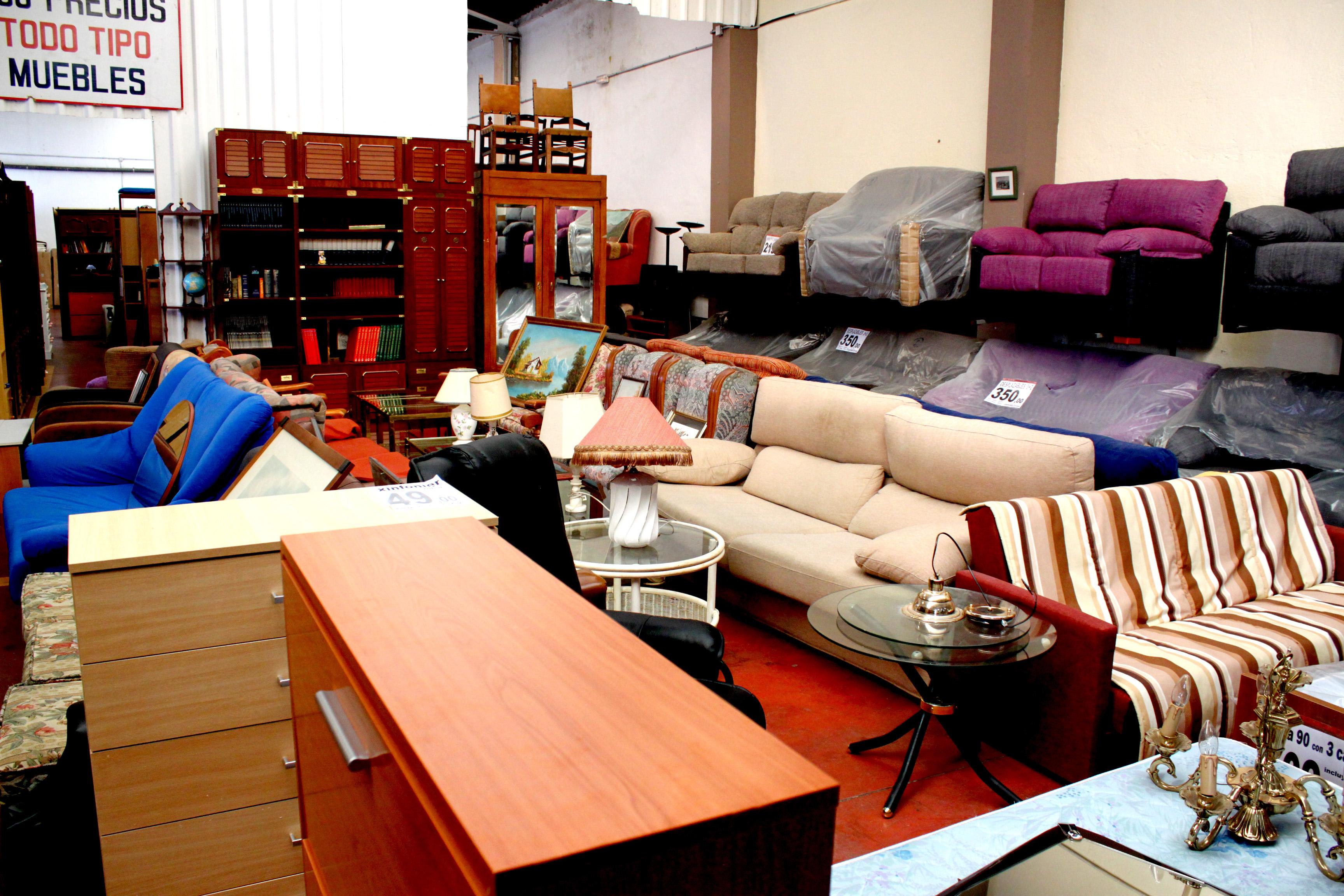 Recogida De Muebles Valencia Gallery Of La Zona De Recogida De  # Muebles Reto Asturias