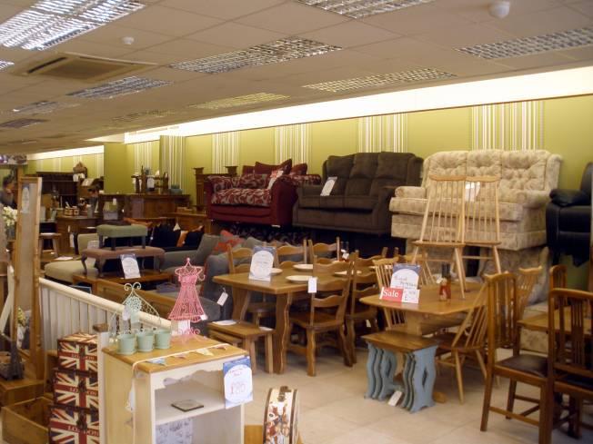 Restored5 recogida de muebles enseres y ropa rastro betel for Muebles betel